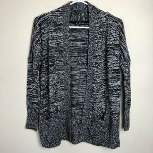 Talula Aritzia XS Long Sleeve Cardigan Sweater